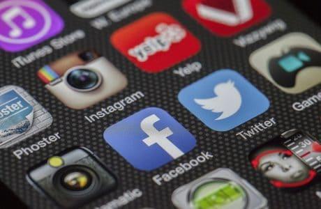twitter 292994 1920 1 460x300 - Les blogueurs :  un atout redoutable pour les marques