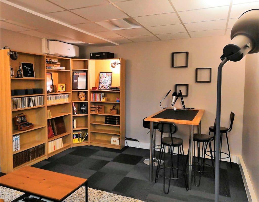 studio Lyon Cast